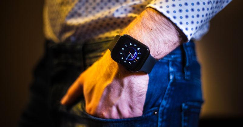 cel-tec-grand-watch-e1-black_elegant.jpg